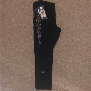 NWT-Under Armour COMPRESSION pants/legging - small